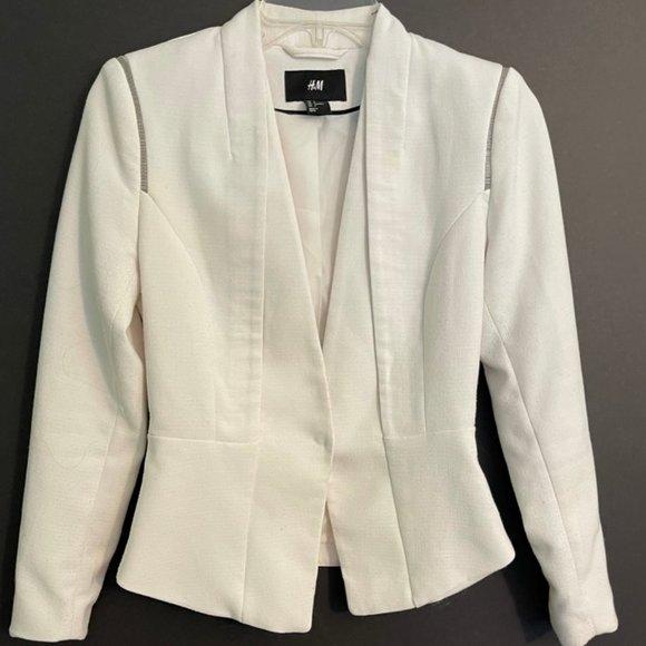 Stylish H & M White Jacket Size 4 - Fully Lined